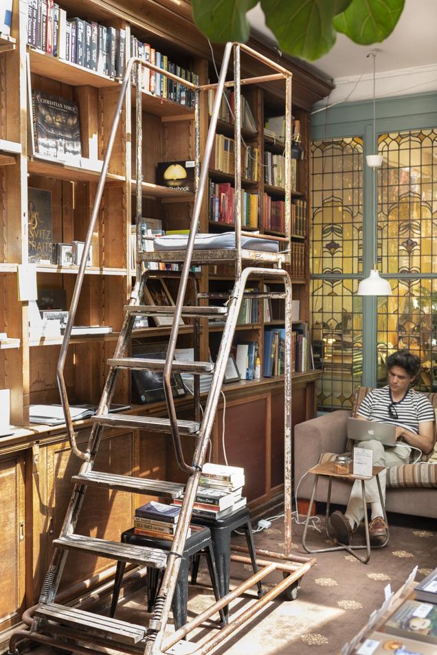bookstor 2-7227